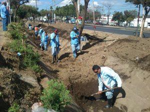 600x400_1360080330_Limpian cauces en Managua