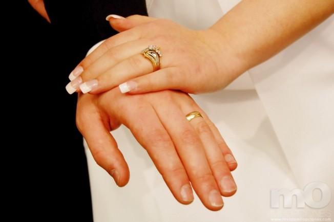 El precio del anillo puede predecir duraci n del matrimonio radio ya - Anillo de casado mano ...