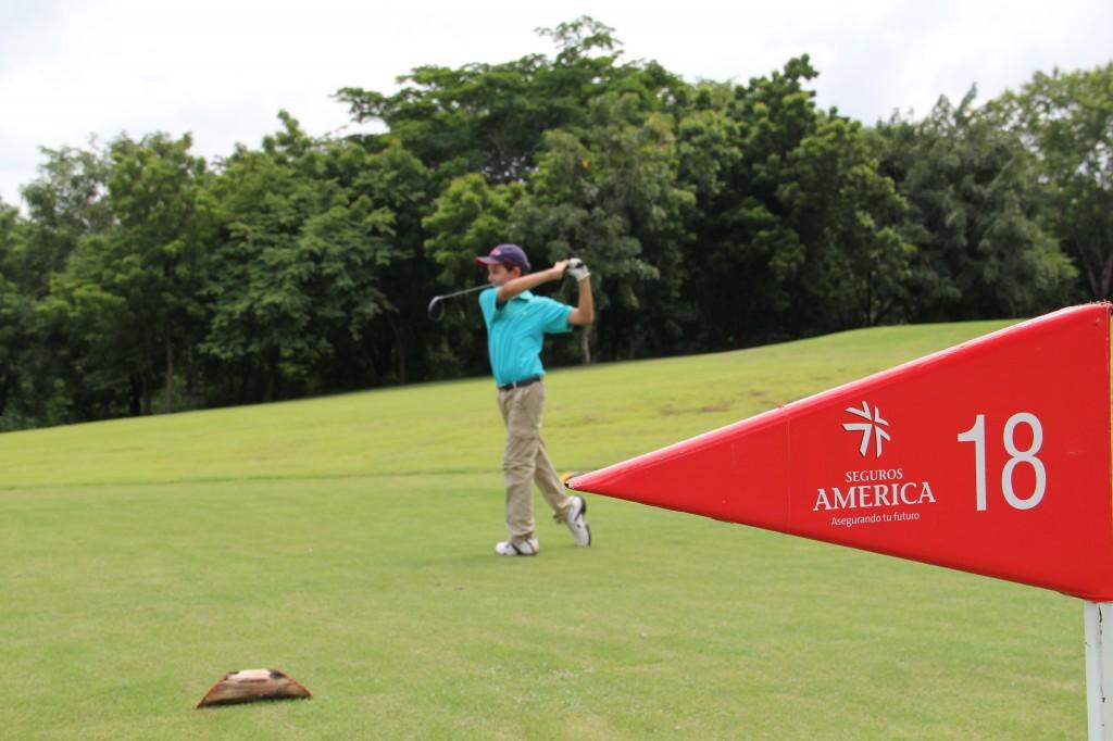 Exitoso Torneo de Golf Infanto-Juvenil