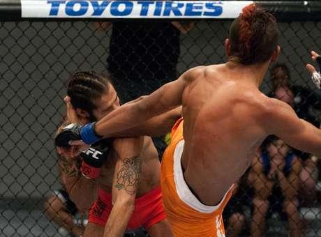 Con esta patada, Morales se llevó el triunfo ante Fullen