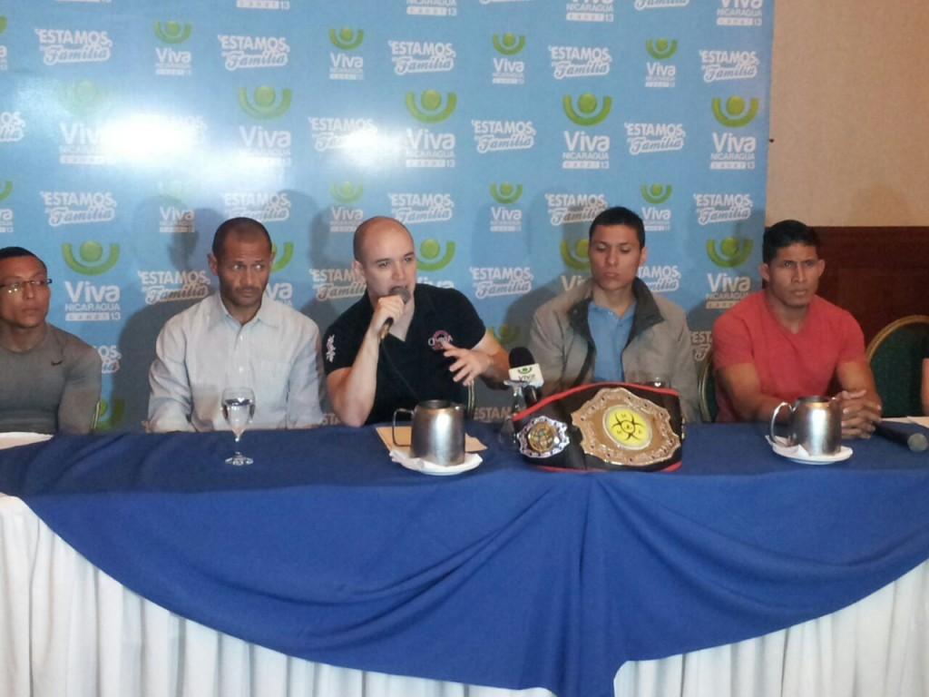 Conferencia de prensa de Artes Marciales Mixtas. Promotora Omega