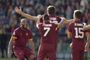Roma gana y mete presión a la Juventus en la Liga de Italia