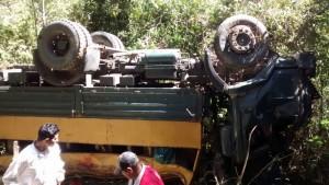 Accidente deja dos muertos y más de 50 heridos en Murra-WA0001