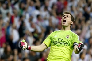 Iker-Casillas-anotacion-Real-Madrid_LNCIMA20141025_0071_5