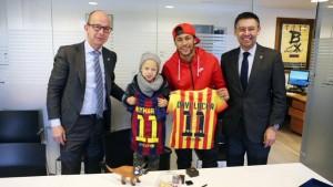 Neymar y su hijo se hacieron socios del Barcelona
