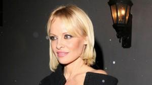 Pamela-Anderson-cambio-look-Eonlinecom_NACIMA20150304_0026_19