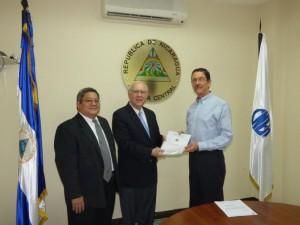 Universidad Nicaragüense de Ciencia y Tecnología (UCYT) entregó su Plan de Autoevalucación Institucional