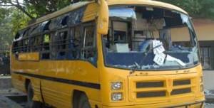 13 niños heridos al accidentarse su bus en India