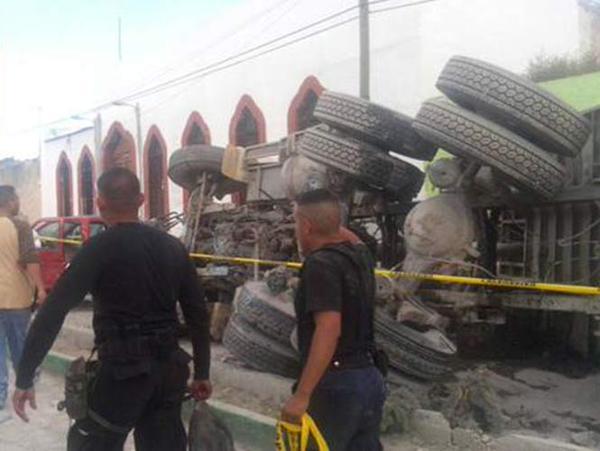 25 muertos al ser arrollados por un camión en México2