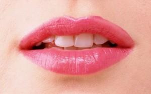Beautiful-Lips-Wallpaper-2013-02