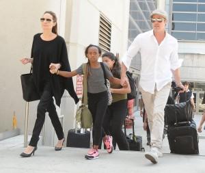 Jolie+Pitt+Family+Arriving+Flight+LAX+irxAKifGcLUx