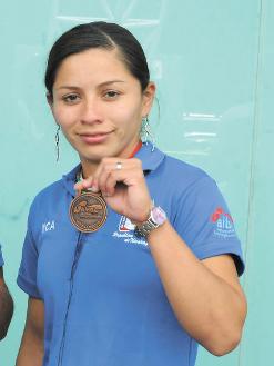 La púgil nicaragüense Claudia Parrales