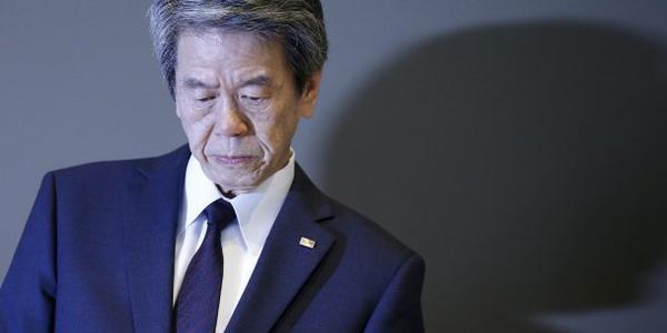 """Renuncia el presidente de Toshiba por """"chanchuyos"""""""