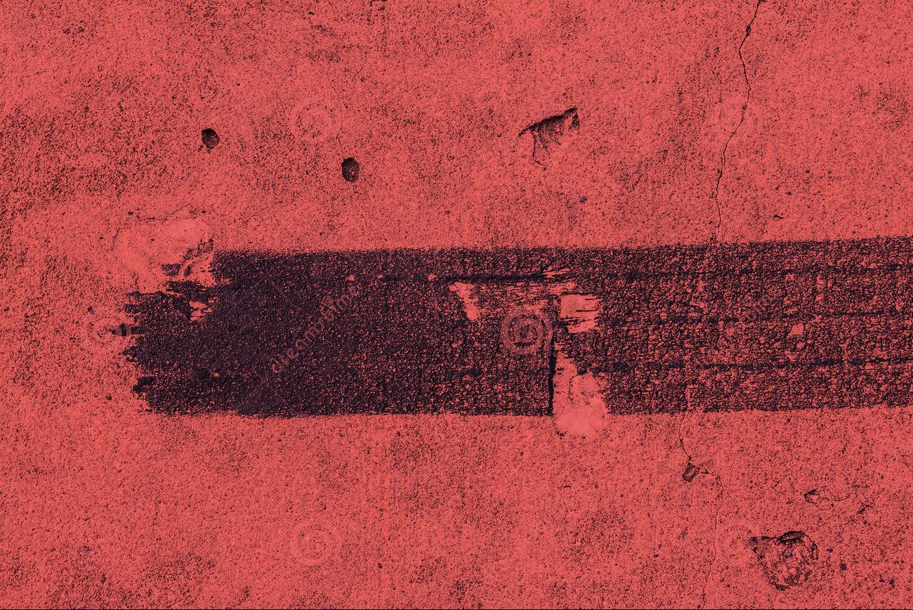 rastro-negro-de-freno-del-neumático-de-la-pista-52358873
