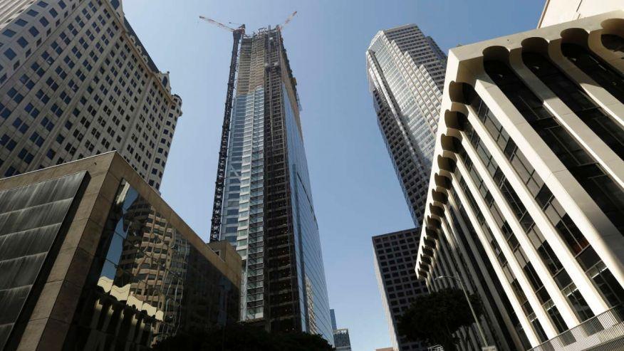 Obrero muere tras caer desde el piso 53 de un edificio en construcción en EEUU