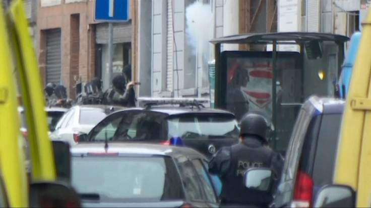 brussels-explosion-standoff-1-736x414