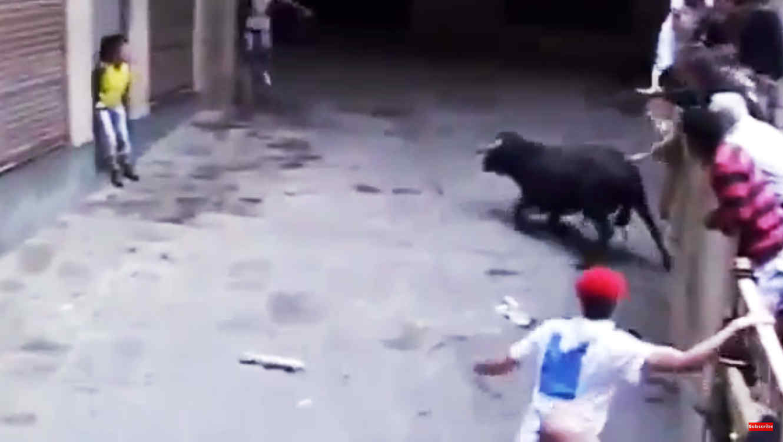 mujer-encierro-de-toros-espana