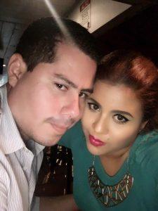 Lester y su esposa Lizzie Rodriguez