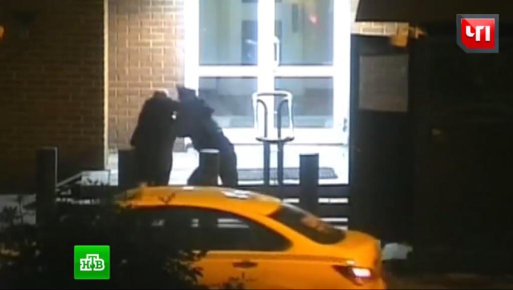 Publican video de una pelea entre un oficial ruso y un diplomático gringo en Moscú