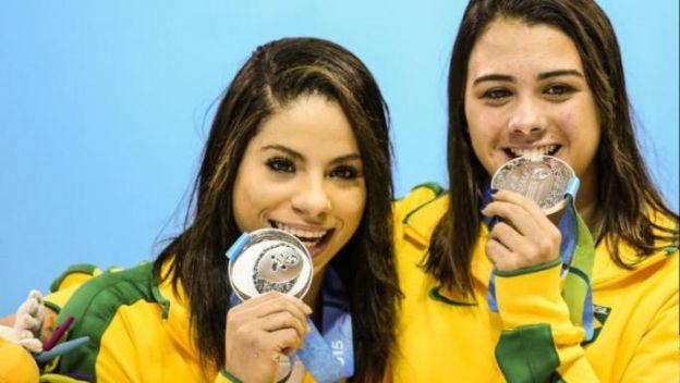 Ingrid de Oliveira y Giovanna Pedrosa1