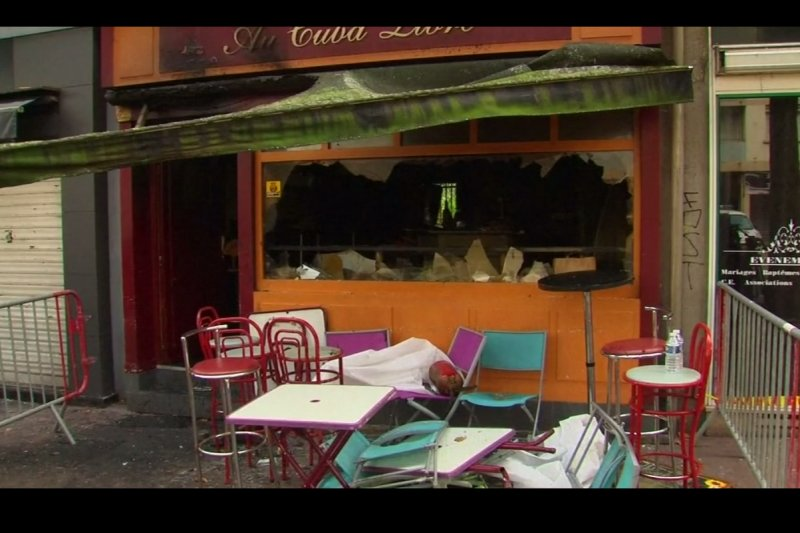 fire_burns_down_french_cafe