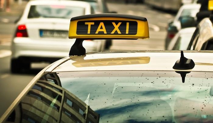 taxi-1515420_960_720