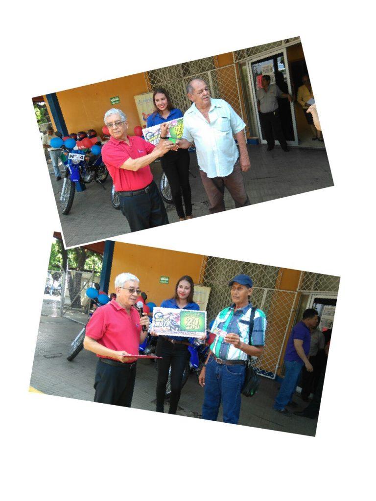 ganadores-de-la-raspadita-reciben-las-llaves-de-sus-motocicletas