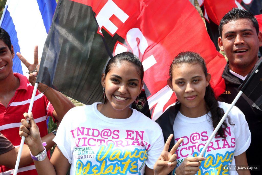 juventud-mantiene-viva-la-llama-de-la-dignidad-nacional