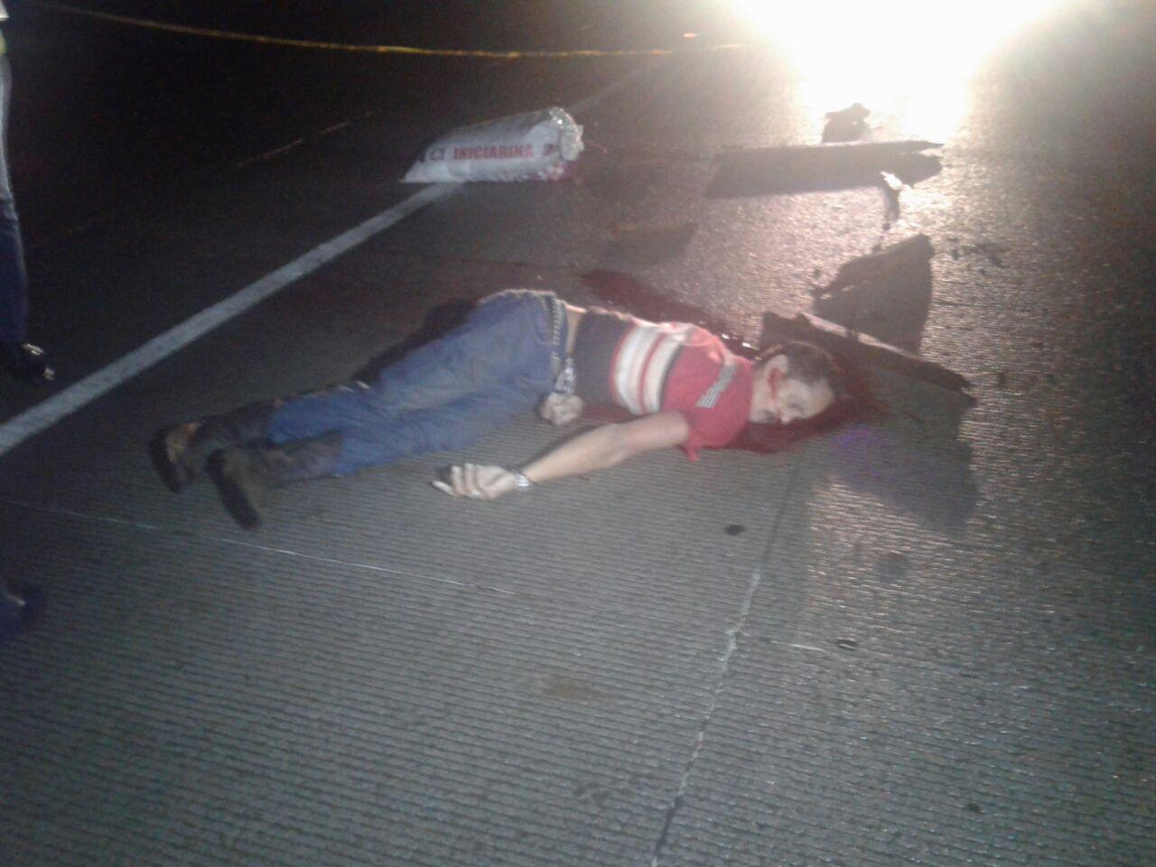 Furgonero causa la muerte de hombre que viajaba en carretón halado por caballo en carretera vieja a León