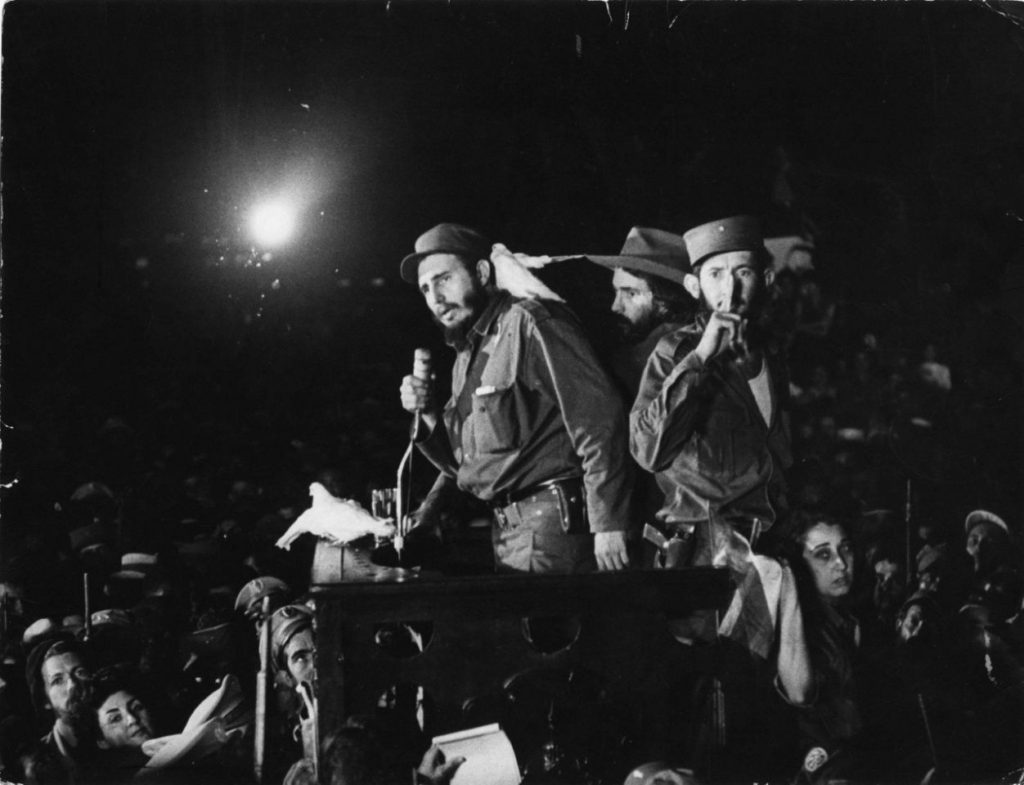 8 de enero de 1959, Fidel Castro habla a en la base militar Columbia, hoy Ciudad Libertad, en Cuba.