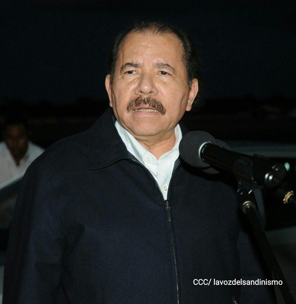 Daniel Ortega en su lllegada a Cuba