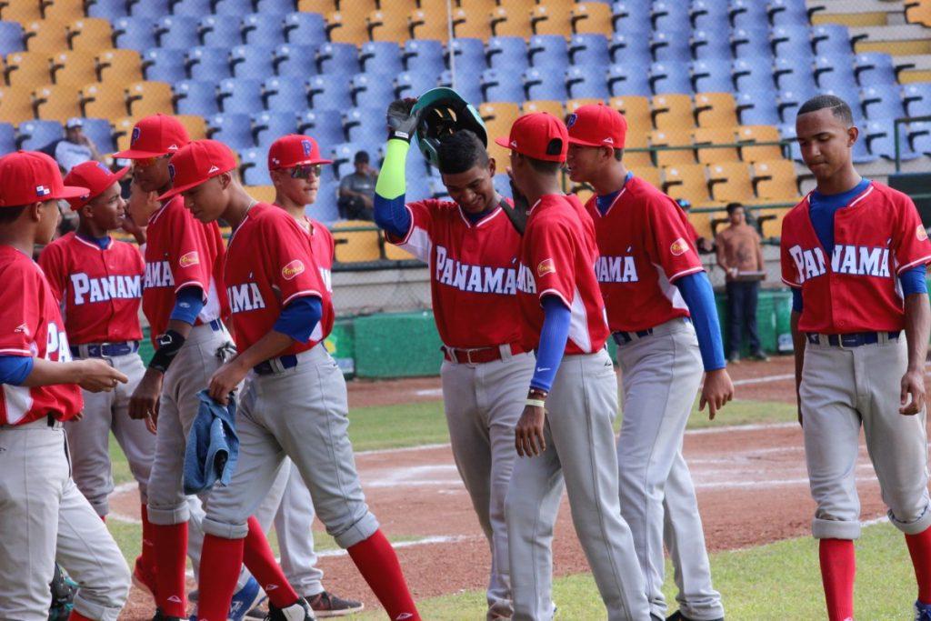 Panamá vuelve a exhibir su poder; apalea a República Dominicana 20-0