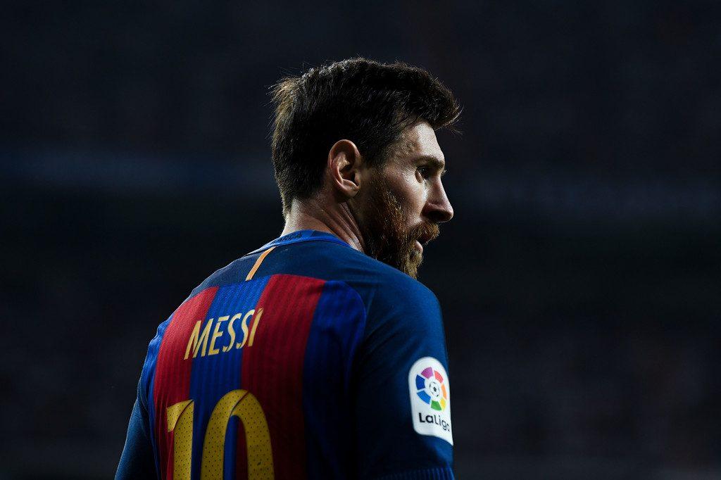 El Barça utilizara camisetas de homenaje a las víctimas durante su ... 243b284f276