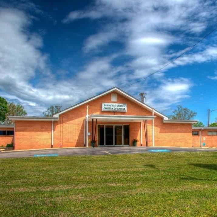 Reportan al menos ocho heridos en tiroteo en iglesia de Tennessee
