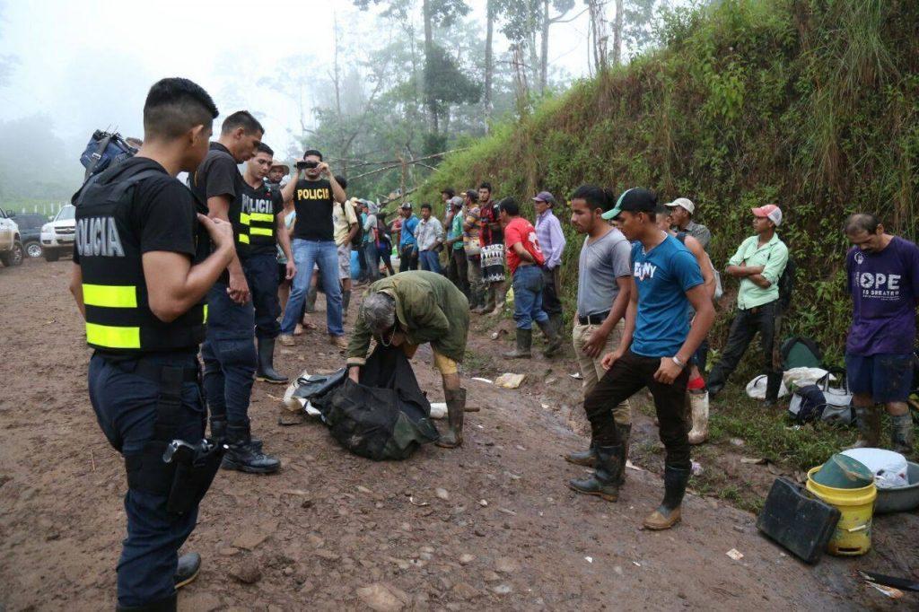 68 nicaragüenses fueron arrestados esta madrugada en Crucitas, Costa Rica