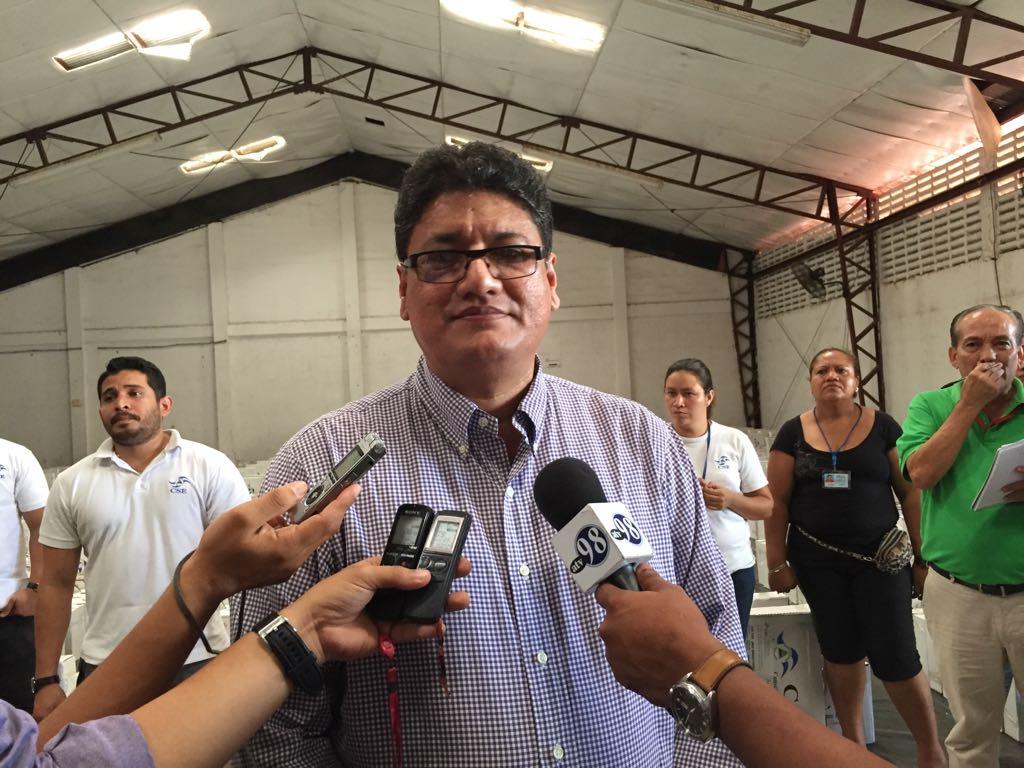 Leandro Delgado, director de Logística del Consejo Supremo Electoral