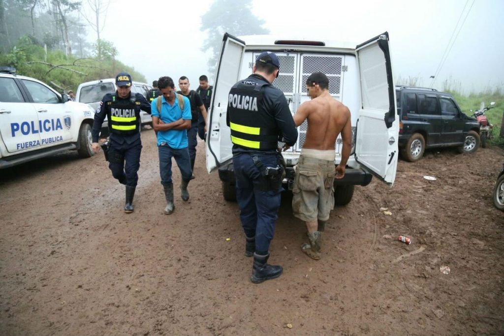 68 nicaragüenses son arrestados en Crucitas, Costa Rica