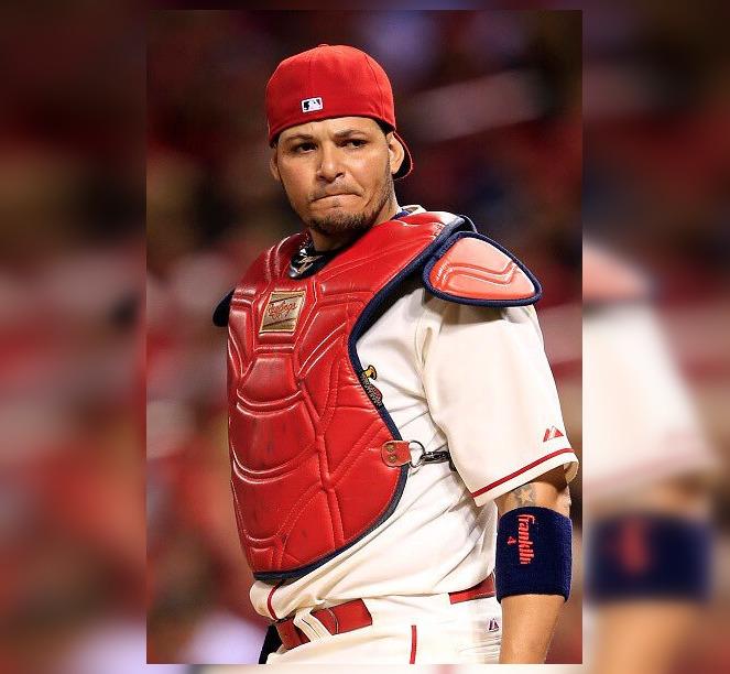 Yader Molina ex grandes ligas