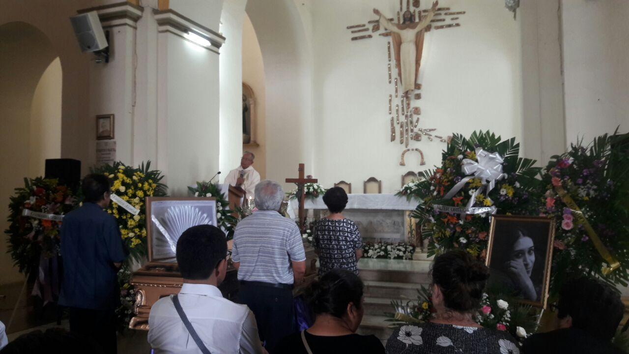 Rosario lamenta el sensible fallecimiento de la poeta nicaragüense Ana Ilce Gómez