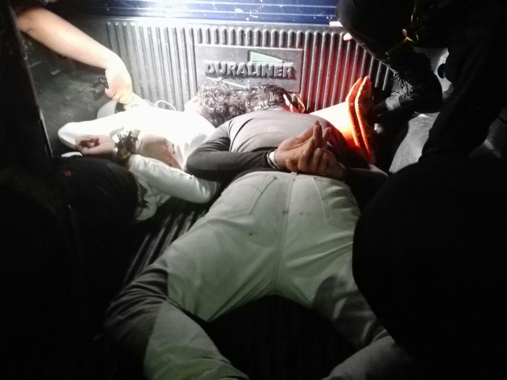 Capturan a trío de ladrones que asaltaron a taxista