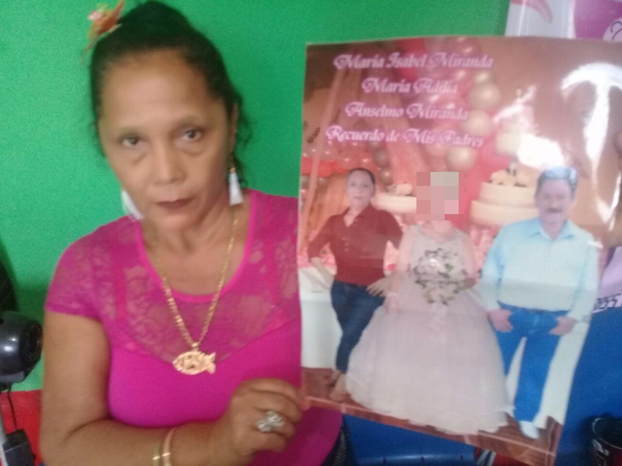 Maria Adilia Monterrey busca a su marido. Foto cortesía del periodista Yerlin Cruz