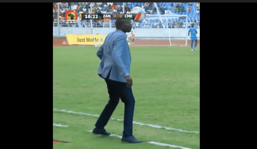 Wedson Nyirenda se cayó al hacer una pirueta