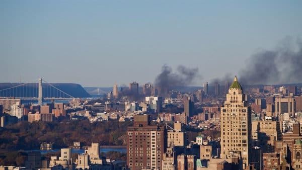 Arde un edificio de seis pisos en Manhattan