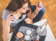 Una mujer jamás debe salir de casa sin perfume