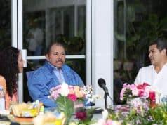 El presidente Daniel Ortega, la vicepresidente Rosario Murillo y el presidente hondureño Juan Orlando Hernández