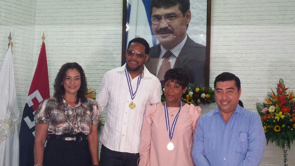 Javier Sotomayor y Ana Fidelia Quirot reciben Orden Alexis Arguello