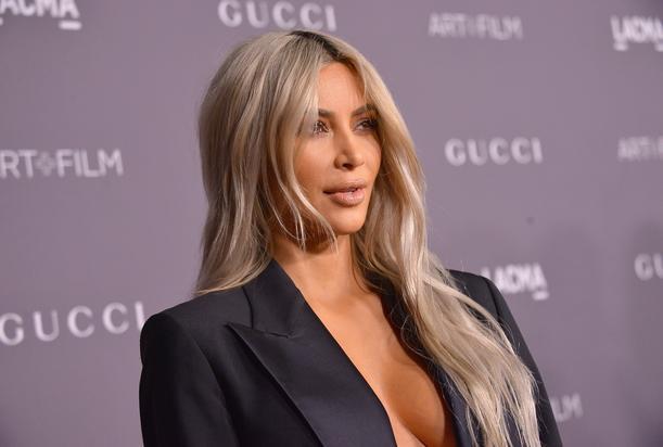 Kim Kardashian dejó que su hija le tomará una foto en topless
