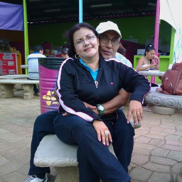 La señora Damaris Jiménez y su esposo Elvio Alejandro Lopez Pentzke