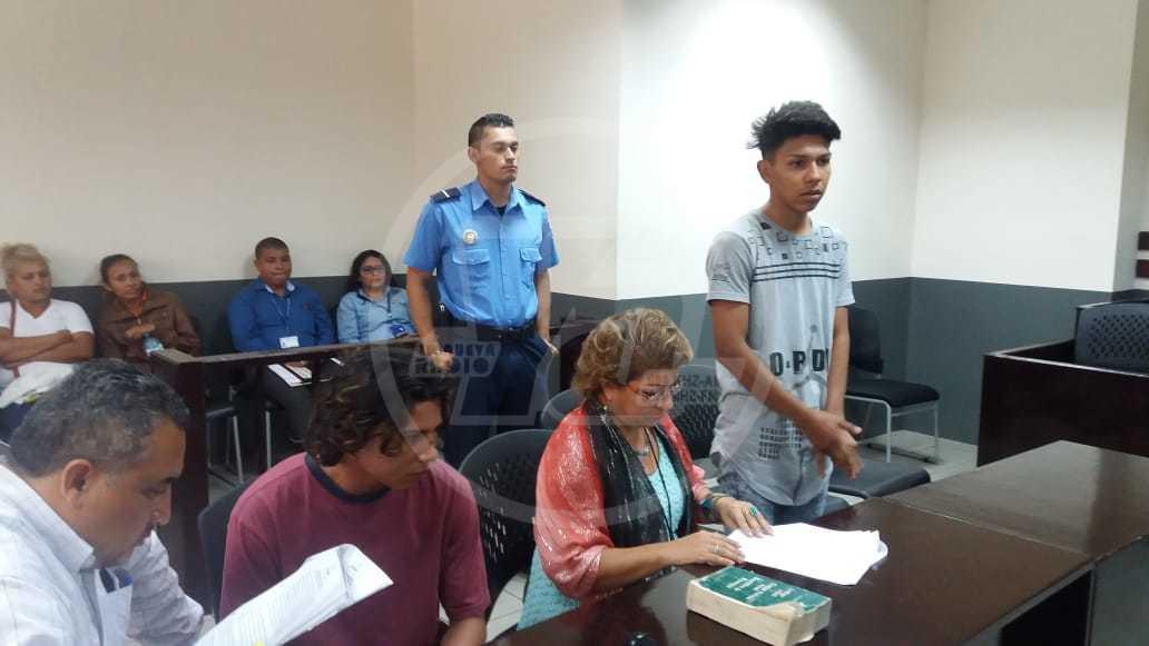 Los acusados Ariel Alexander Rodríguez Ampié y Kevin Antonio Parrales Hernández