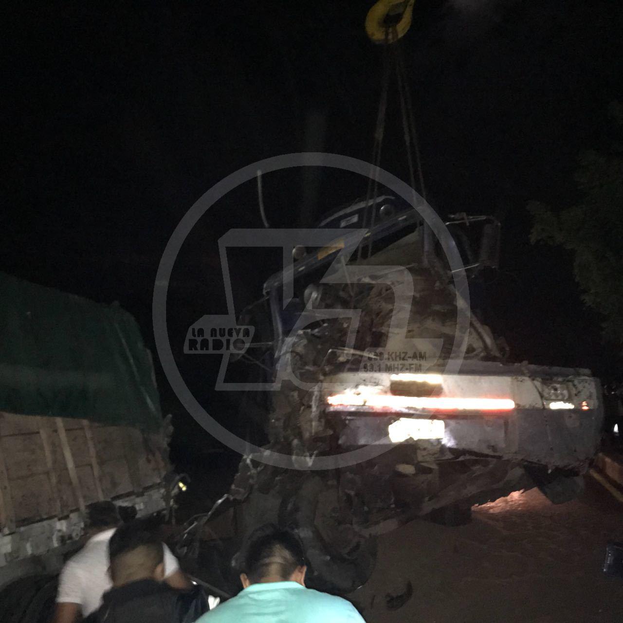 Minutos antes de la tragedia, el motociclista Giovanni Enrique Garay se estrelló contra la parte trasera de la rastra